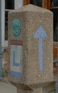 Lincoln Highway Marker. Photo by jim Frazier.